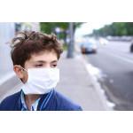 Здоровый или нет: кто ходит в маске в период простудных заболеваний? 